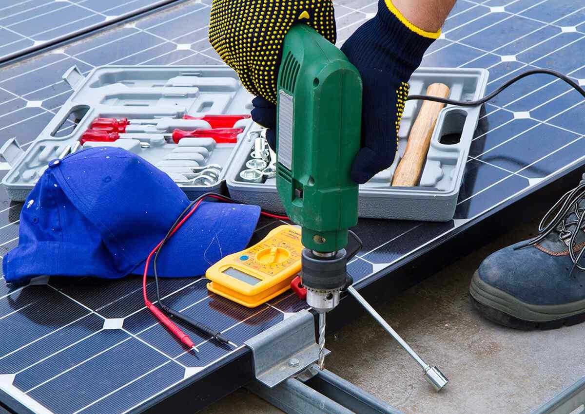 https://solarpanels-sanantonio.com/wp-content/uploads/2018/10/inner_professionals_01.jpg