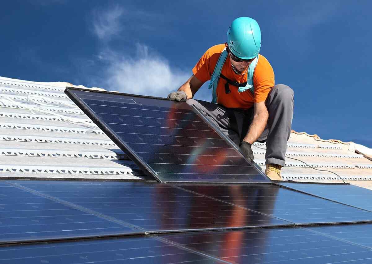 https://solarpanels-sanantonio.com/wp-content/uploads/2018/10/inner_professionals_04.jpg